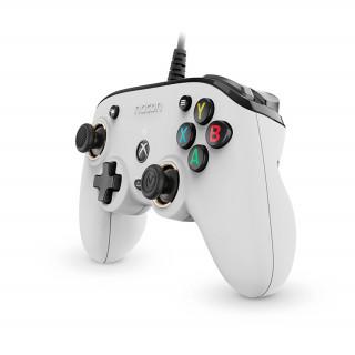Nacon Pro Compact ovládač (biely) Xbox Series